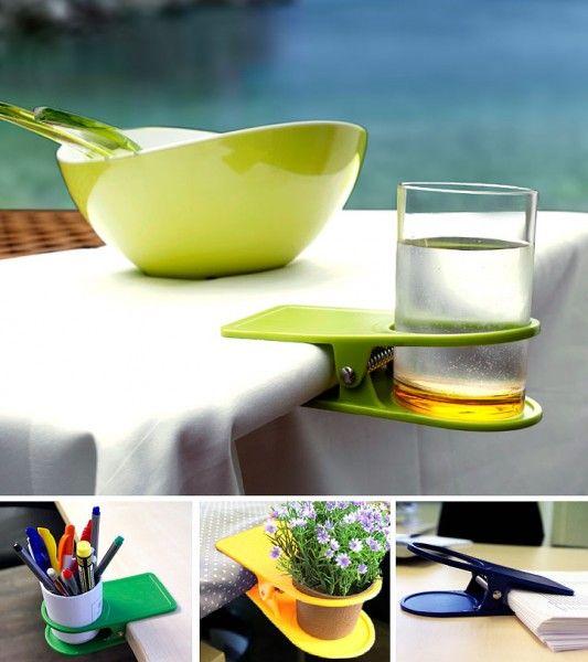 Glashalter am Tisch