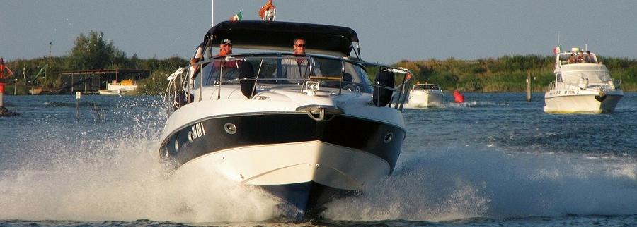 Motorboot-Buch-Anlegeman-ver-Maritimo