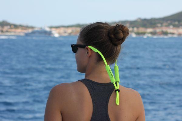 Brillenband schwimmend
