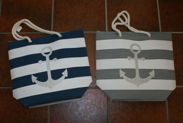 Tasche in 2 verschiedenen Farben